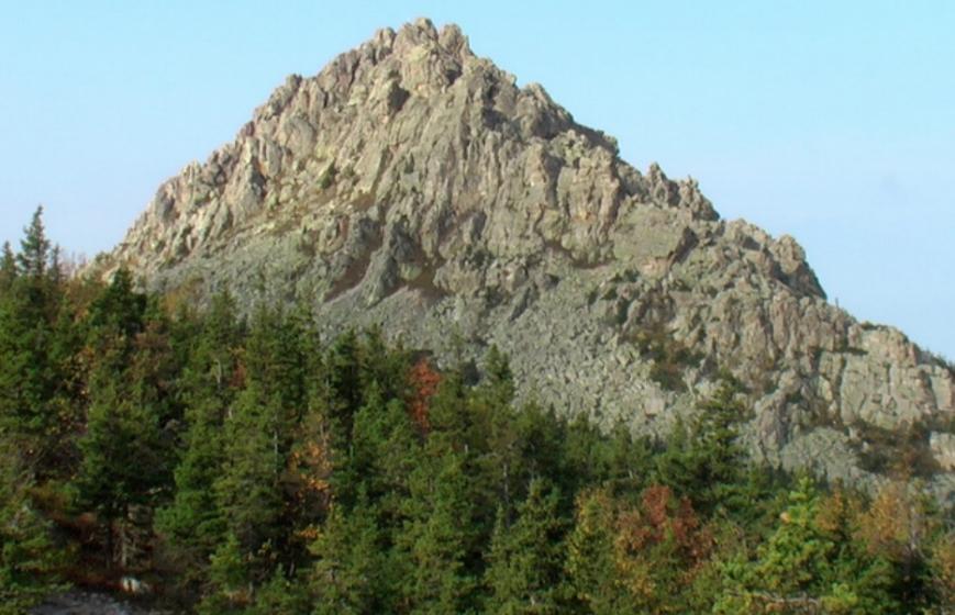 соколиная гора ильменского хребта фото идет зимней