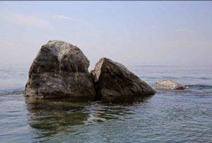Шаман-камень у истока реки Ангара