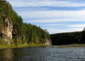 Река Сосьва скалы