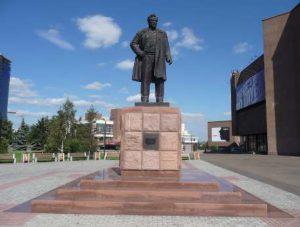 Памятник Виктору Астафьеву
