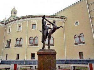Памятник «Красавица Ангара»